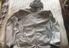 North Face Summit Series (2.5 litre) Arctic white jacket Hyvent (waterproof) size LARGE