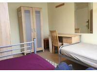 Nice twin room for rent elephant and castle SE17 available now on