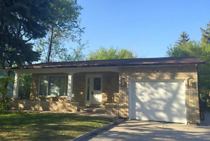 3 Bedroom House - Central Steinbach | Available August 1st