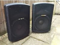 Pair of Carlsbro Gamma 15/400 active powered speakers