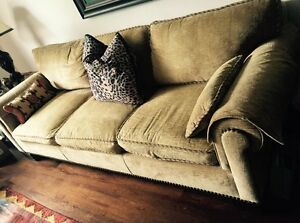 Classic couch, chair & ottoman (matching) set