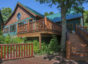 SLEEPS 30 AT THE FABULOUS WINKING ROSEBUD WATERFRONT RETREAT !