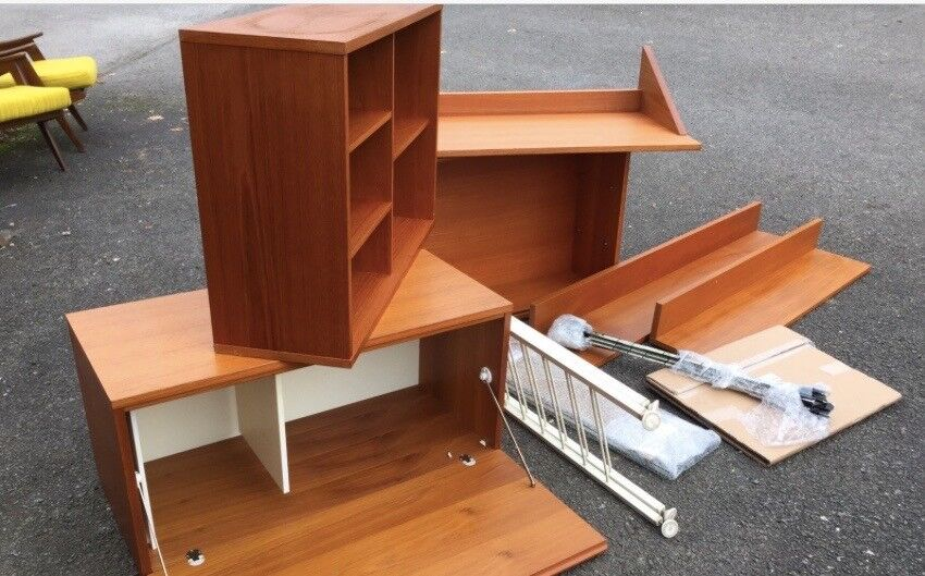 A Set of 1970s beaver and tapley teak shelving storage unit in the manner of Ladderax