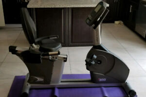 Excellent condition, Like new fitline R200 recumbent bike