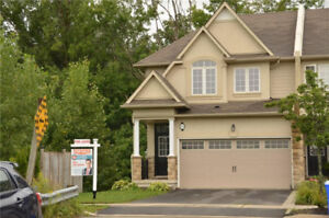 Executive Townhouse fully finished Back to Ravine in Meadowland