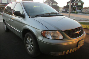 2003 Chrysler Town & Country Minivan