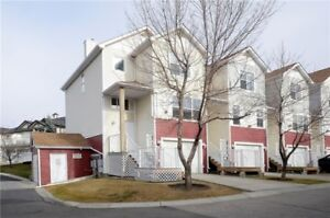 Like new 3 bed. 3 bath 2 story townhouse in Coventry Hills.