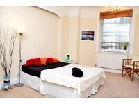 Double room perfectly located in Bristol Harbourside.