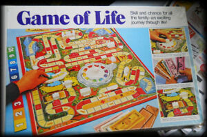 1970's -- MILTON BRADLEY- GAME OF LIFE ( Board Game )