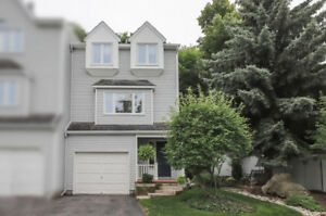 TRENDY END-UNIT CONDO TOWNHOME IN GRIMSBY...
