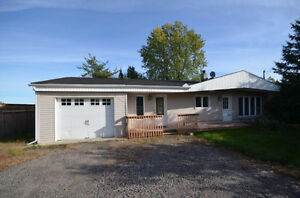 Pretty property with fully fenced yard. Good price come and see! Gatineau Ottawa / Gatineau Area image 1