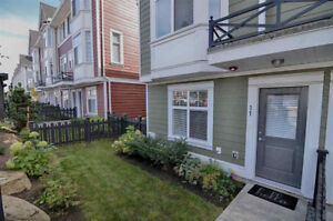 ***** Beautiful 4 four bedroom Langley townhouse *****