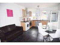 2 bedroom flat in Margravine Gardens, Hammersmith, W68