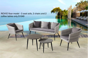 Outdoor 5 piece Resin Wicker/ Steel Conversation Set Floor Model