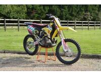 2008 58 SUZUKI RM250 K8 2 STROKE MOTOCROSS BIKE - EX NEVILLE BRADSHAW BIKE