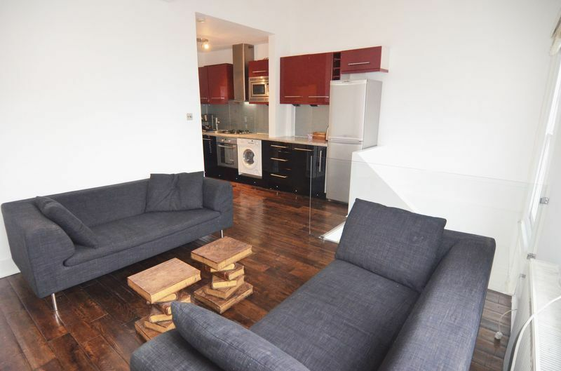 1 bedroom flat in Fulham Road, Fulham, SW6