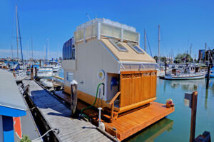 $280,000 · Experience life on the water living in a float home!