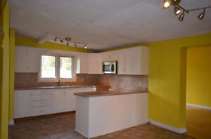 Pretty property with fully fenced yard. Good price come and see! Gatineau Ottawa / Gatineau Area image 4