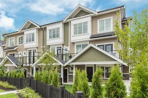 Beautiful New 3 Bedroom townhouse in Willoughby
