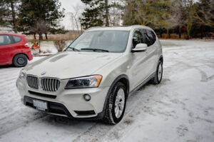 2011 BMW X3 28i SUV, Crossover LOW KMS!!