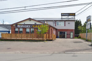 Commercial Building with Licences Rest / Coffee Shop / Bakery