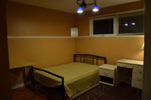 One semi upstairs big bedroom for rent- Close to UR