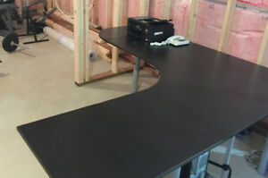 Great condition computer table