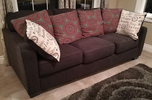Couch - Sofa with 6 bolsters