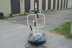invacare  hoyer lift like new 1475.00 2 slings cost new 3,900.00 Belleville Belleville Area image 3