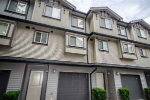 The bright and spacious (1333 SQ.FT.) in 3 levels open concept 3