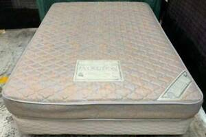 Excellent white queen bed base with queen mattress for sale #2
