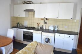 Bright Rooms To Rent in Dalston Including All Bills - (Single and Double)
