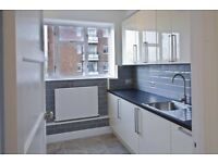 3 BEDROOM FLAT WITH LARGE SEPARATE LIVING ROOM, CLOSE TO VAUXHALL STATION. FITTED MODERN KITCHEN