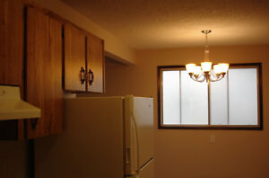June 1 U of A modern 1 bedroom by Whyte Ave shops transit