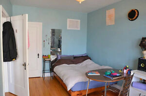 MAY SUBLET--Room in 4.5 near Beaubien Metro--$445 (negotiable)