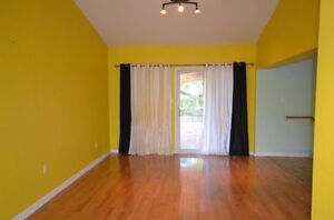 Pretty property with fully fenced yard. Good price come and see! Gatineau Ottawa / Gatineau Area image 5
