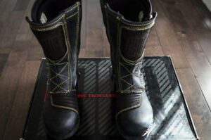 Women's Icon Elsinore Motorcycle boots - Size 8