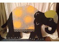 Taj Mahal, Elephants and Porthole props