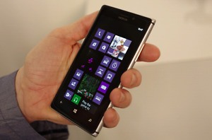 Nokia Lumia 925 16GB,8.7Mpix;like new,box