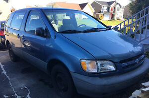 Toyota Sienna 1998 Vehicle/Parts/Engines for sale