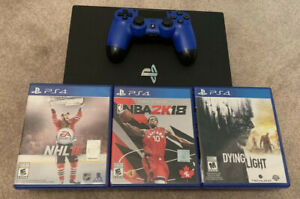 PS4 PRO bundle with 3 games