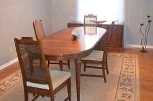 Gibbard Buy Or Sell Dining Table Sets In Ottawa Kijiji Classifieds