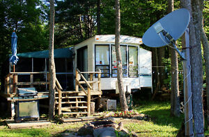 38 foot 3 tip out  Northlander with screened room 12x28 on Lake