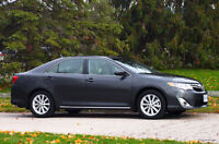 2014 Toyota Camry XLE HYBRID - Only 15600 Kms