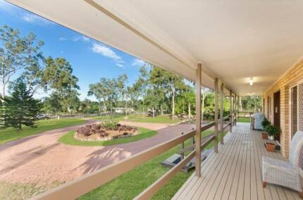 Bluewater Park, 2.5 Acres, 5 bedrooms, Immaculately presented