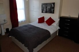 Professional Double Room in Southsea Available Now!!