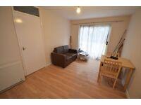 1 bedroom flat to rent in Carnarvon Road, Stratford, E15