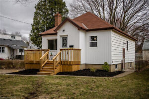 Fully renovated bungalow!   6847683