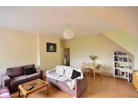 3 bedroom flat in Mount View Road, London N4