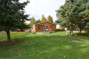 WATERFRONT COMMUNITY - CUTE AS A BUTTON 3 BEDROOM HOME